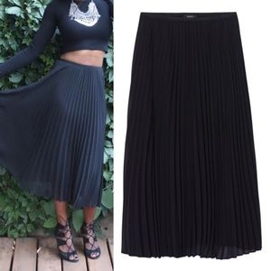 ARITZIA Babaton Pleated Skirt Black XXS